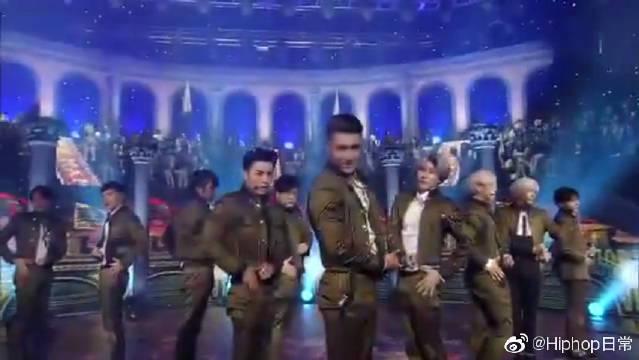 SBS人气歌谣现场版超火的,Super Junior舞蹈真的不可复制!