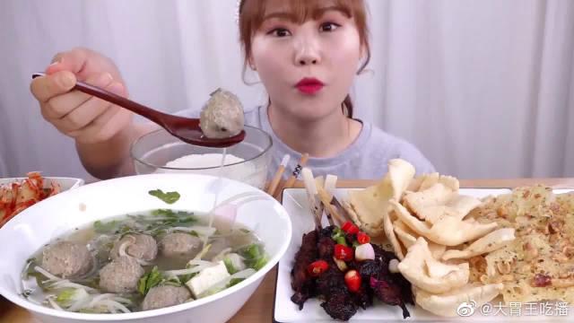 gni小姐姐吃印度尼西亚大餐