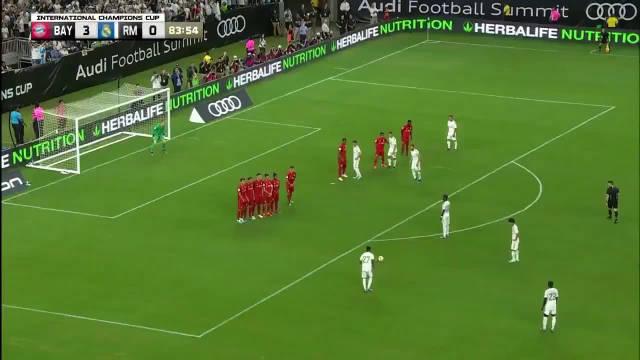 01级巴西金童Rodrygo Goes在 与 的比赛中攻入了一记任意球世界波