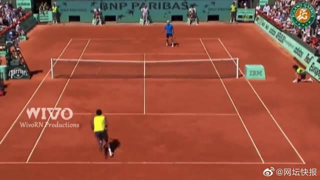 看网球比赛很闷?你还没见过孟菲尔斯的表演