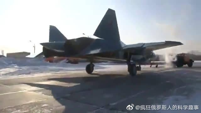 俄罗斯T-50战斗机在共青城试飞