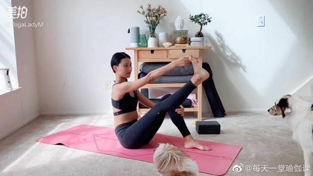 """比""""休足时间""""疗效更好的十分钟瑜伽,之腿部放松。"""