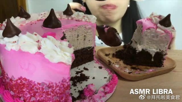 Libra吃芭斯罗缤情人节好时之吻巧克力冰淇淋蛋糕!羡慕吃不胖啊!