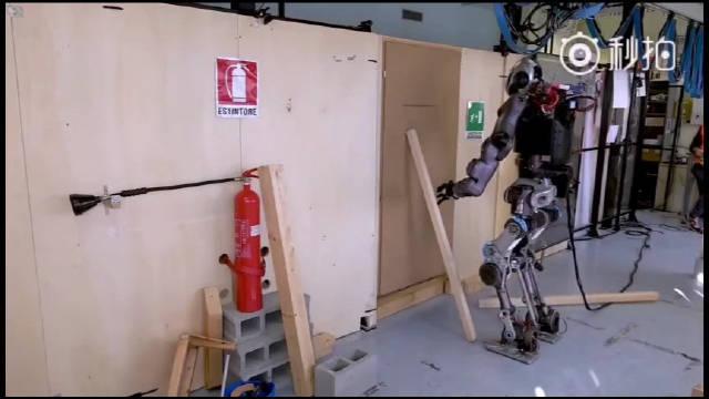 意大利IIT研究院的机器人Walkman