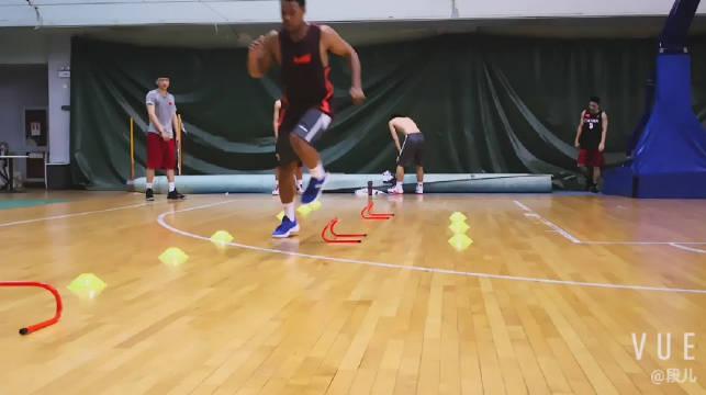 世界大学生运动会篮球队体能训练D5赛前准备期,稳定敏捷功率