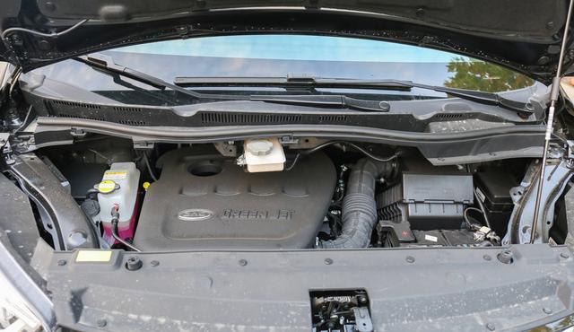 国产不再廉价!对标GL8的MPV出现,外形霸气,二排堪如头等舱