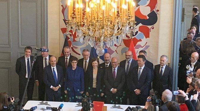 德国国防部长克拉普-卡伦鲍尔和法国国防部长弗洛朗丝·帕利今天在巴黎
