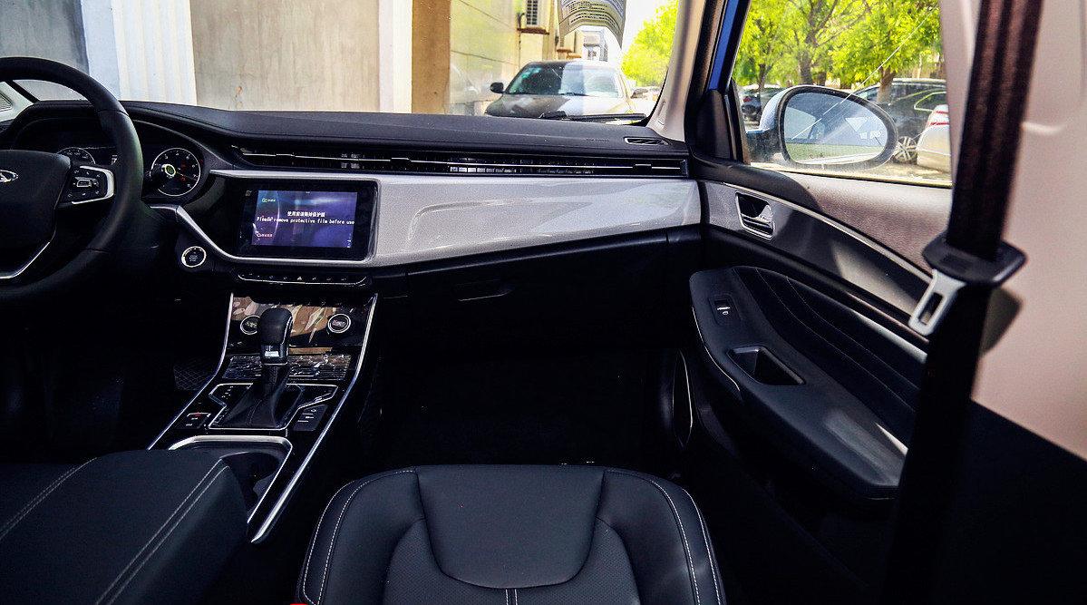视频:艾瑞泽5一直是奇瑞最畅销的车型之一 凭借着不错的外观设计和超高的性