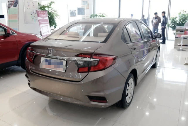"""它堪称""""本田最良心的一款车型"""",配CVT卖不到8万"""