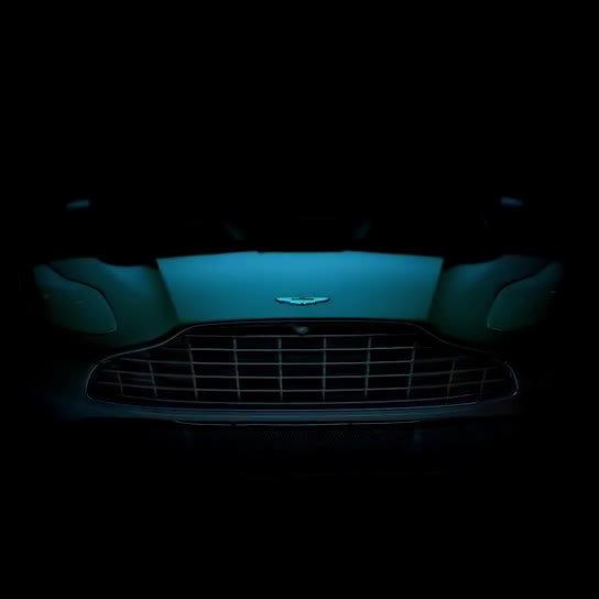 DB家族再添新成员,阿斯顿·马丁首款全新SUV  将于12月正式发布!