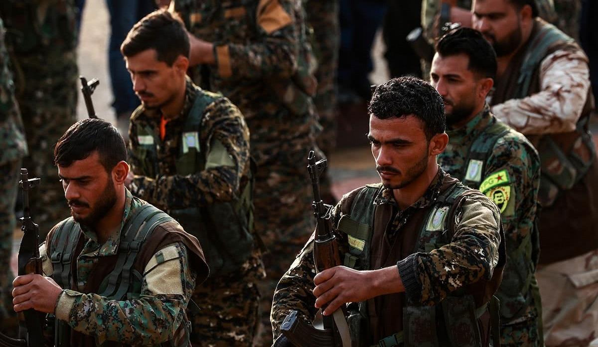 叙利亚打响卫国战争,北约强国大军入侵,政府军和叛军联手抵抗