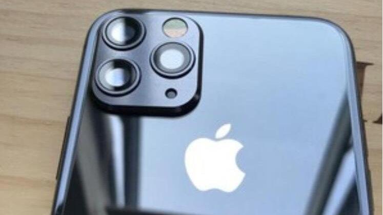iPhone X和Xs镜头膜改装苹果11卖得很火!老款秒变成新款