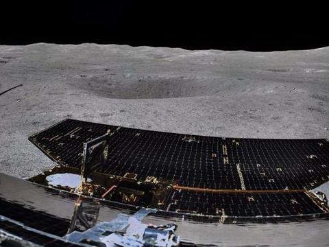 """嫦娥四号成功两期互拍,玉兔二号送来月球背面""""牵手照""""!"""