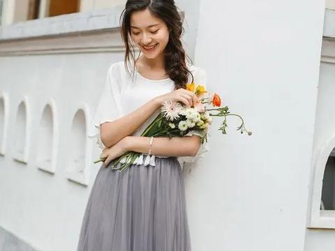 关于夏天半身裙,一直是女性衣橱必不可少的单品
