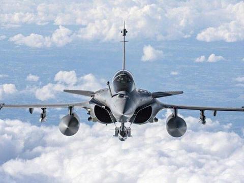巴基斯坦被印军阵风核威胁,巴铁终下决心:为枭龙战机配备核导弹