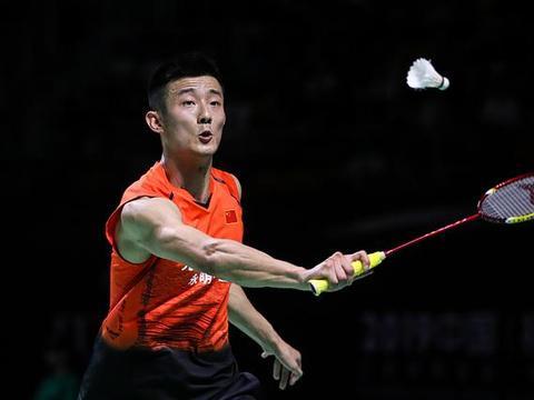 首局被轰14-0,石宇奇宣布退赛,谌龙内战爆冷不敌陆光祖淘汰出局
