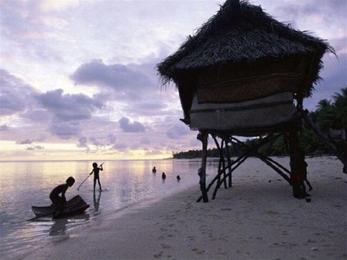 基里巴斯位于太平洋上的一个岛国拥有世界上最大的海洋保护区
