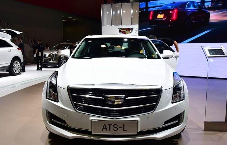 这款豪车官降8万,配十佳发动机,2.0L+8AT,仅6s破百