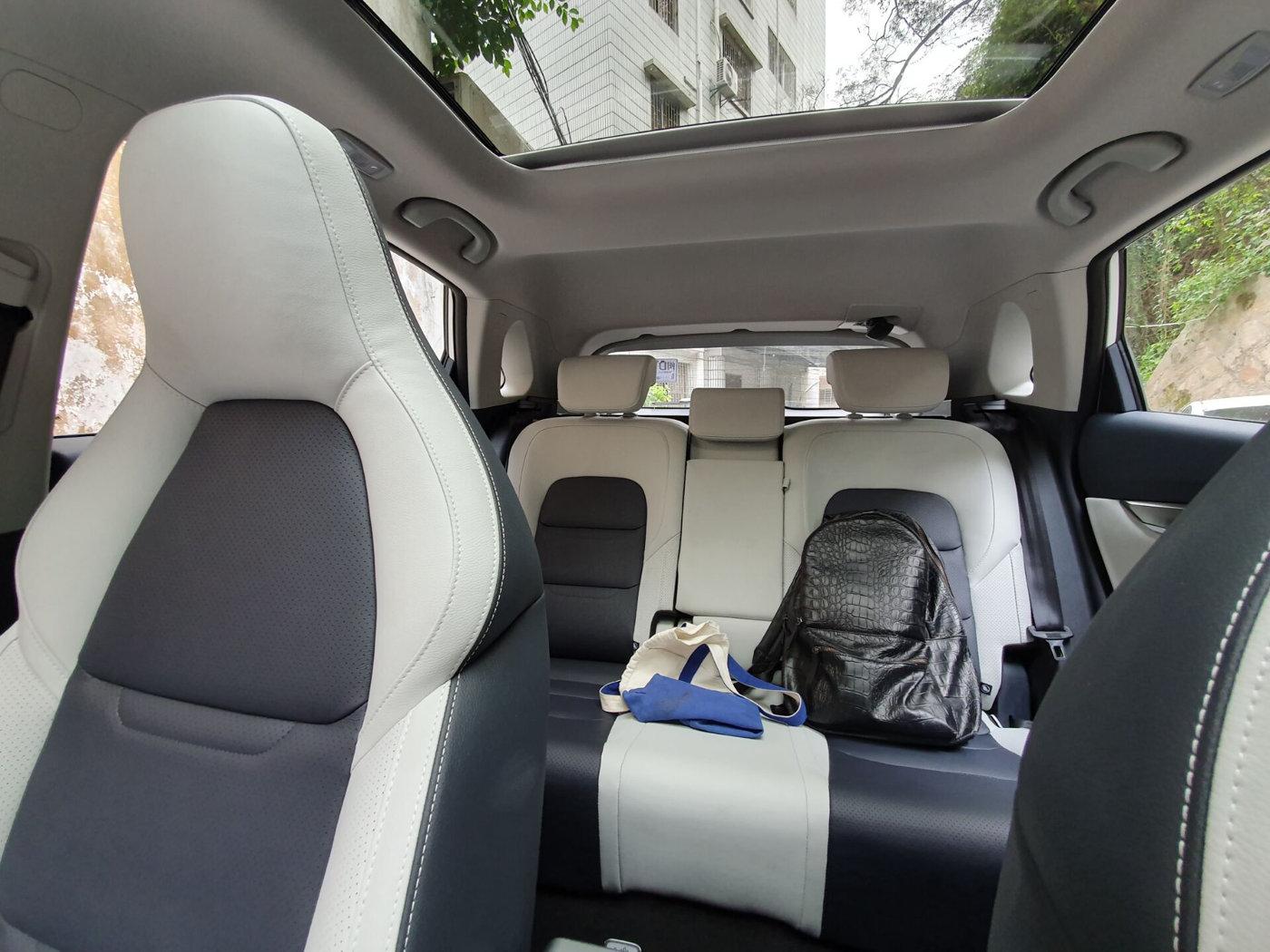 小杰聊汽车:提车有一段时间了,和大家聊聊威马EX5的外观和内饰
