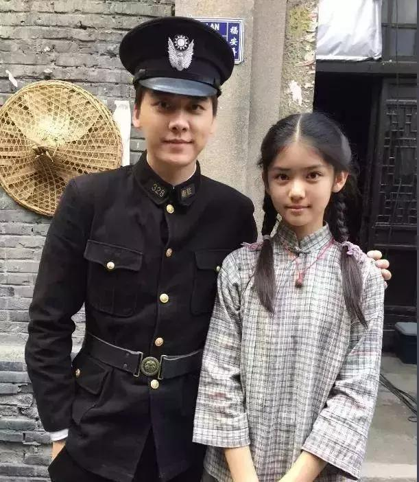 《外滩钟声》中搭档吴谨言、演俞灏明女儿的她