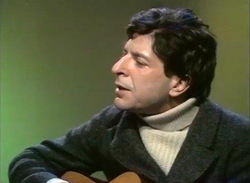 1968年, 刚刚发表第一张专辑的莱昂纳德•科恩巡演到英国,这首Hey