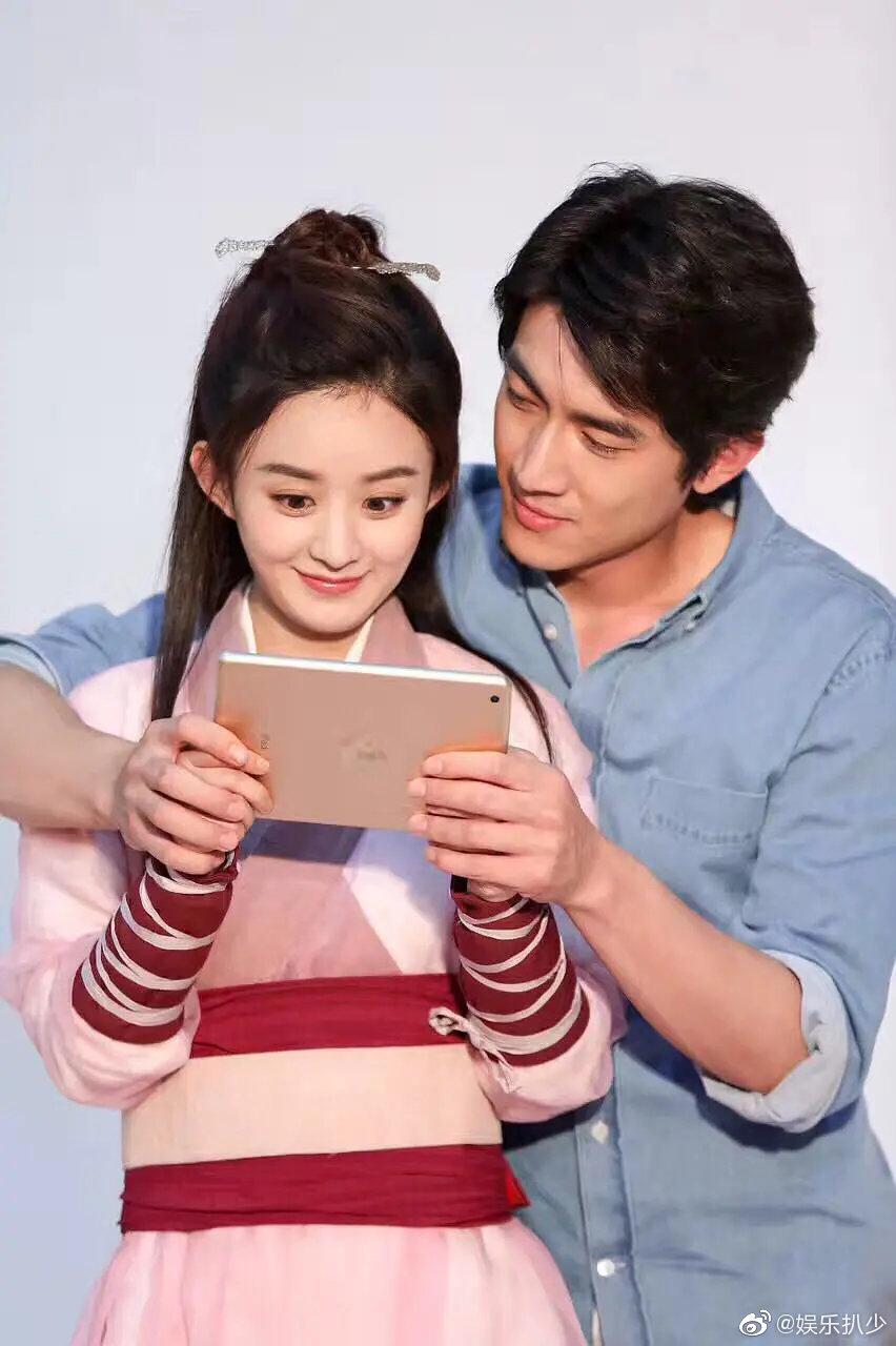 林更新和赵丽颖曾经的手游广告,cp感真的太强了,有点甜啊