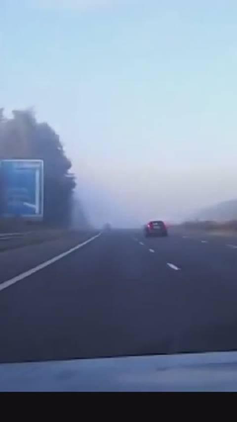 扩散,提醒出行的人!团雾究竟有多可怕?秋冬季节,团雾多发