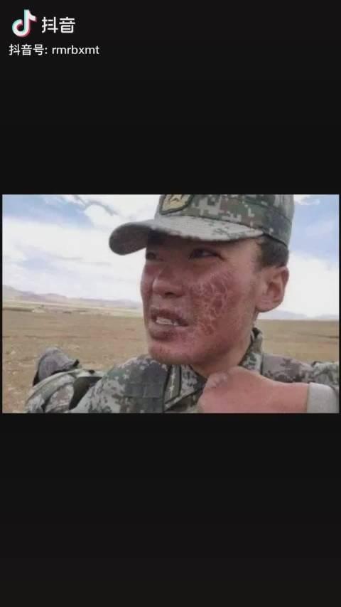 边防战士的样子,负重前行的痕迹,致敬中国军人!