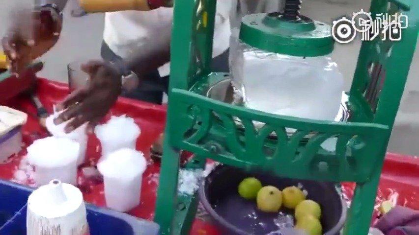 印度冰淇淋,果然是个用手