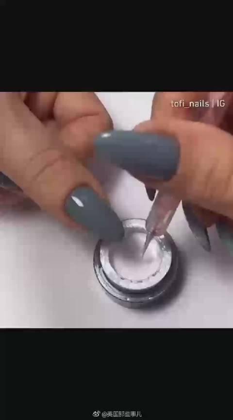 这个勾线美甲太绝了,比郭碧婷的珠链指甲还惊艳