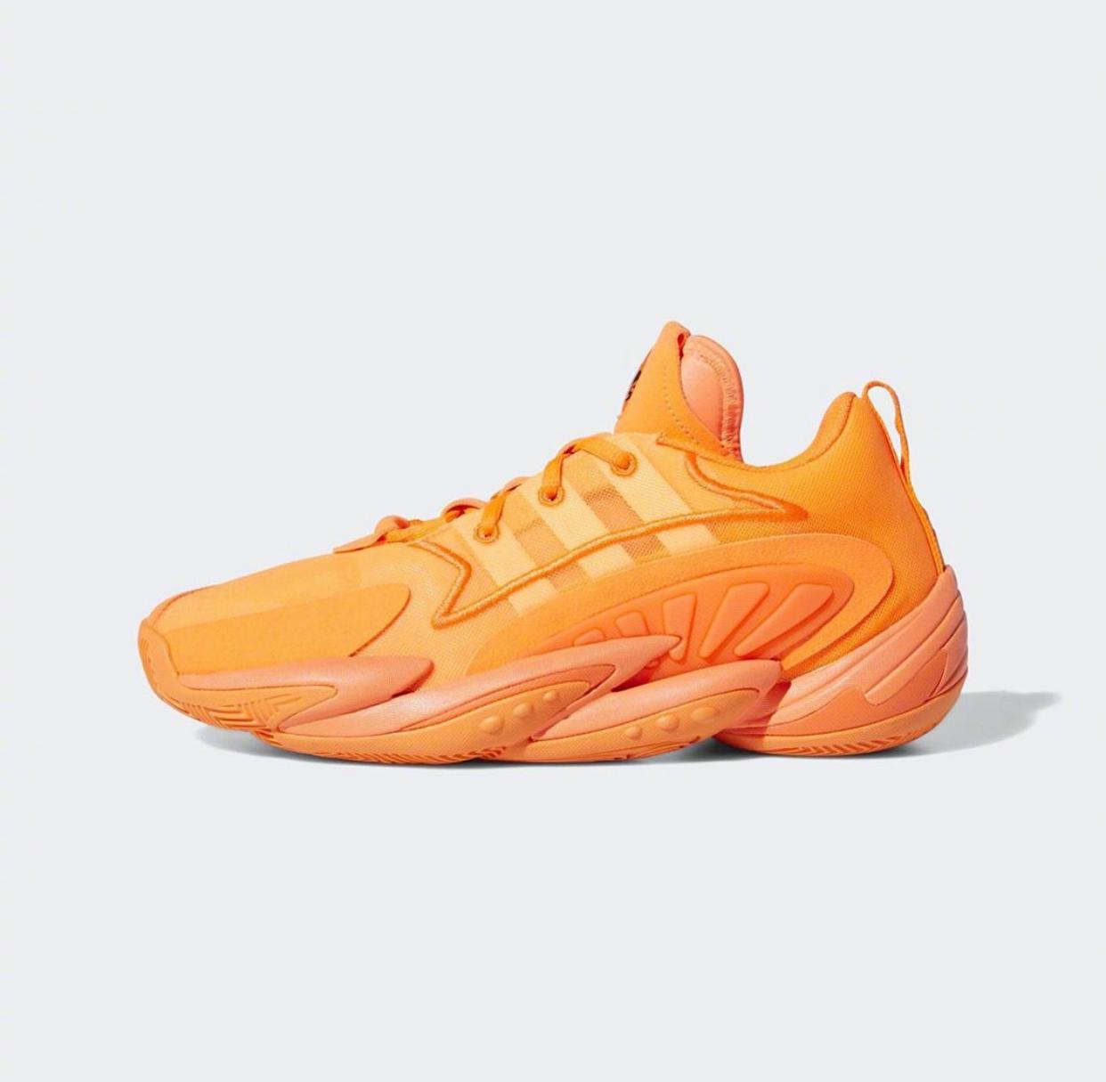 接下来将会面世的一些adidas篮球鞋,包括Crazy BYW 2