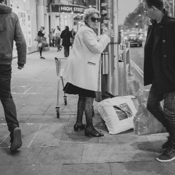 在伦敦,步行是最好的旅行方式。推荐@谭佩里里外外