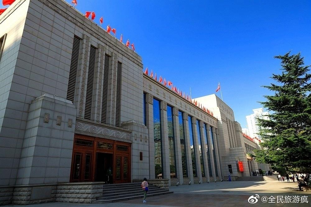 甘肃省博物馆位于甘肃省兰州市七里河区西津西路3号,建于1956年