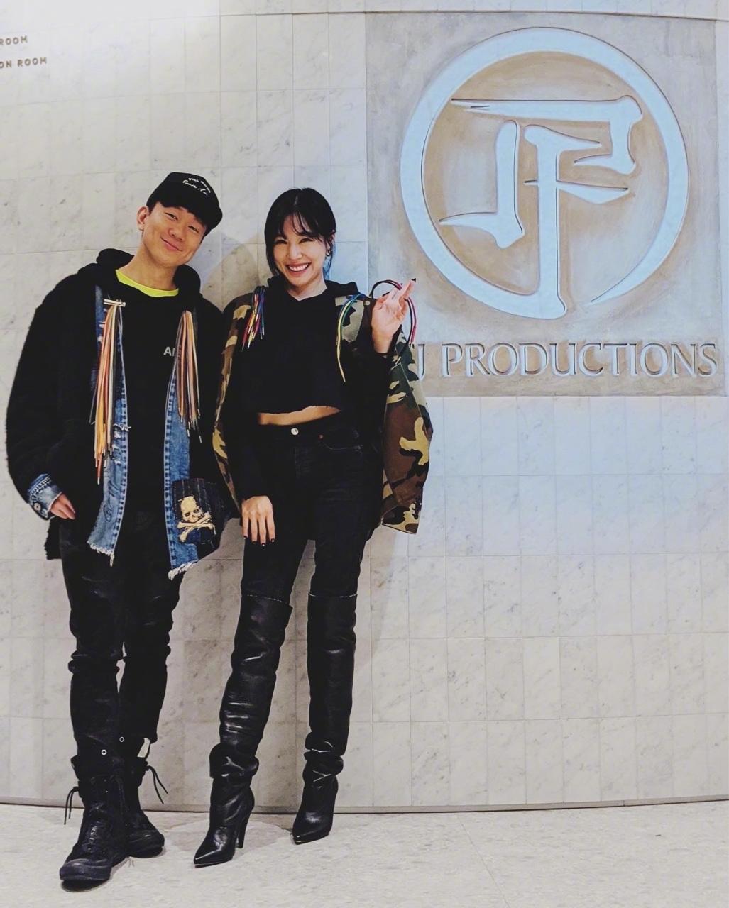 歡迎來到JFJ聖所! Tiffany 來到JFJ,交換時尚靈感!