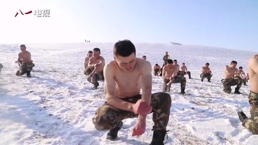 新疆武警特战队员零下15℃下抗寒训练