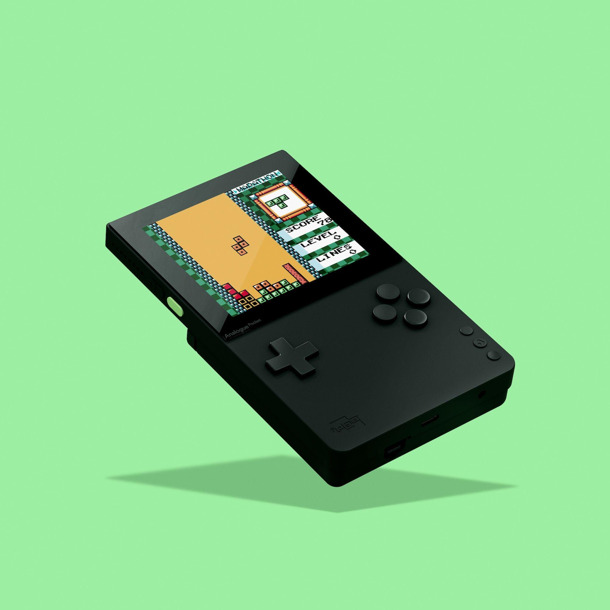 厂商Analogue最近公布了一台能玩所有GB/GBA游戏(1989~2008)的掌机