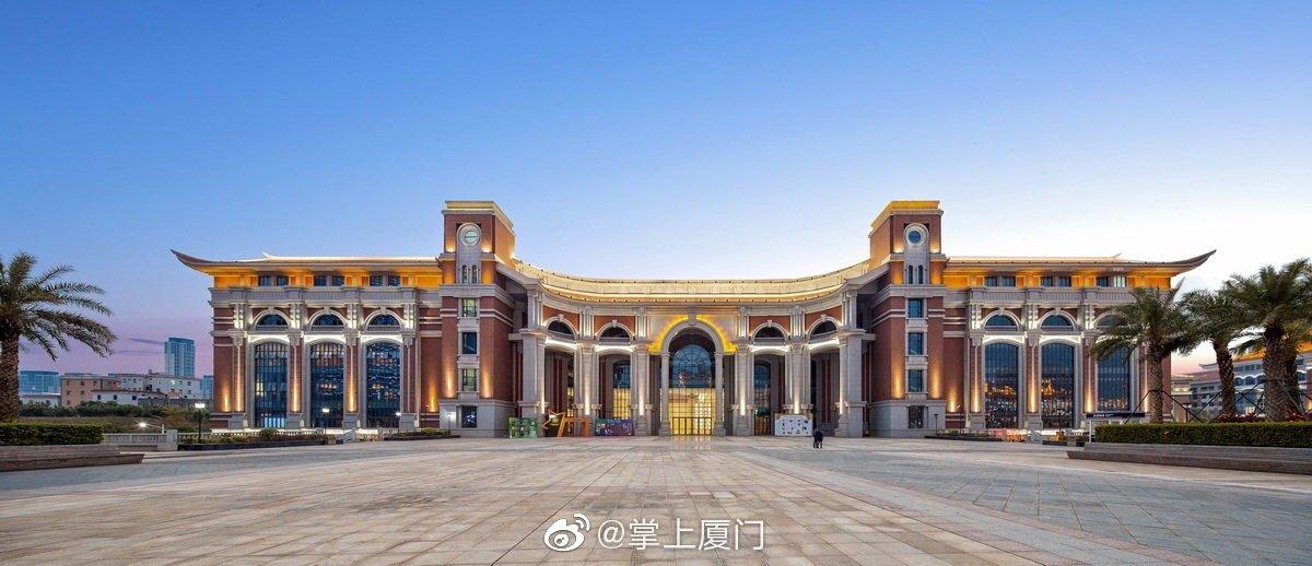嘉庚艺术中心 / 同济大学建筑设计研究院以对称、比例、秩序、韵律