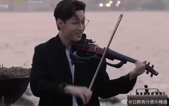 刘宪华街头演奏西班牙名曲,行如流水的技术!真是才华横溢。