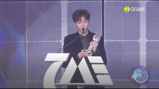 恭喜农农@陈立农 在腾讯音乐娱乐盛典荣获最受欢迎港台男歌手称号