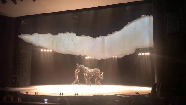 舞台剧《战马》中文版又回归了 8.07-09.01@中国国家话剧院