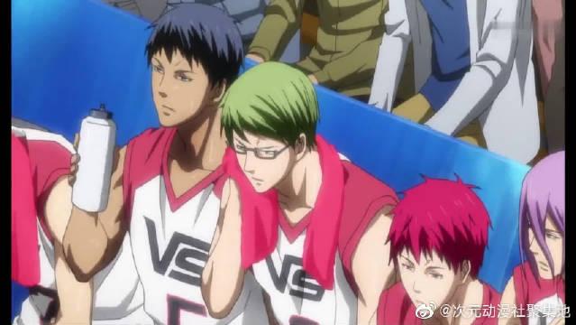 黑子的篮球:相田先生发现队员们的消耗很大,觉得情况不太妙!
