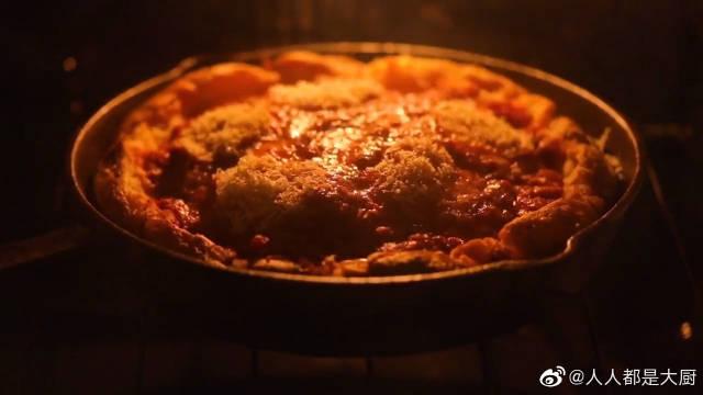用烤得软糯的土豆做披萨,这是懒人最爱的做法