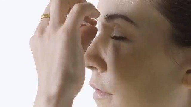 """100年来的 """" 眼线妆容演变史 """",眼妆控看了好久"""