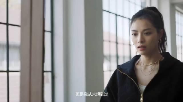 钟楚曦代言运动品牌的视频来了,状态是真的好!从小学跳舞盘靓条顺