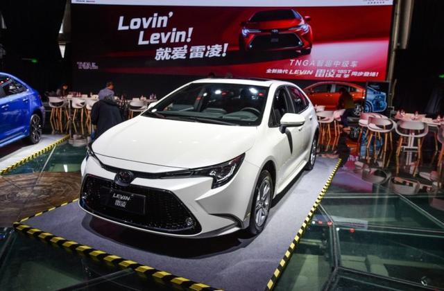 现在世面上的品牌车,20万以内还有手动挡的轿车吗,最好是日系车
