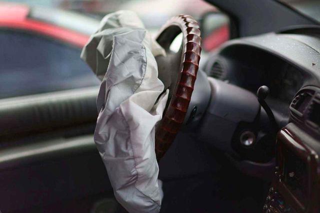 """通用汽车来说,难捱的不只是一个秋冬,难以望到尽头的""""水逆期"""""""