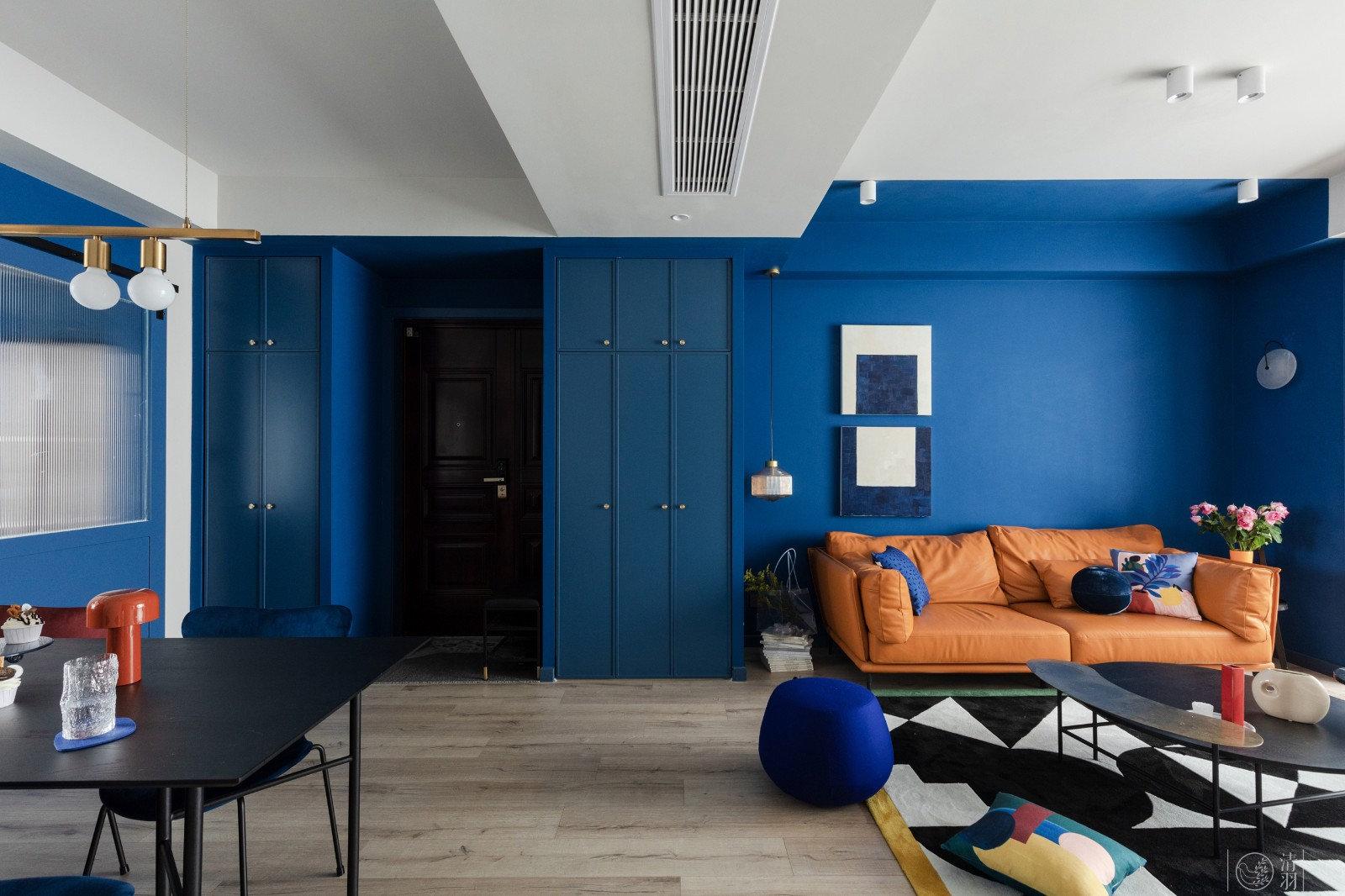 121㎡现代简约风,纯净舒适的克莱因蓝