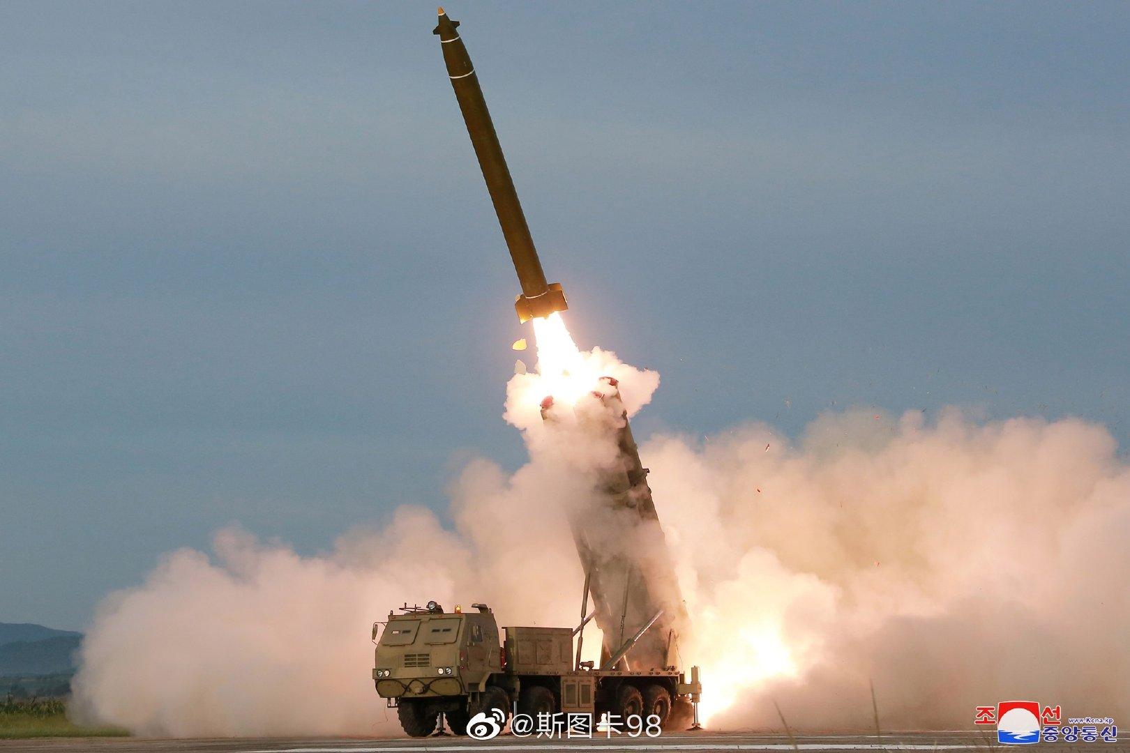 曹县昨日发布试射制导多管火箭炮照片,预计口径可能达到400MM