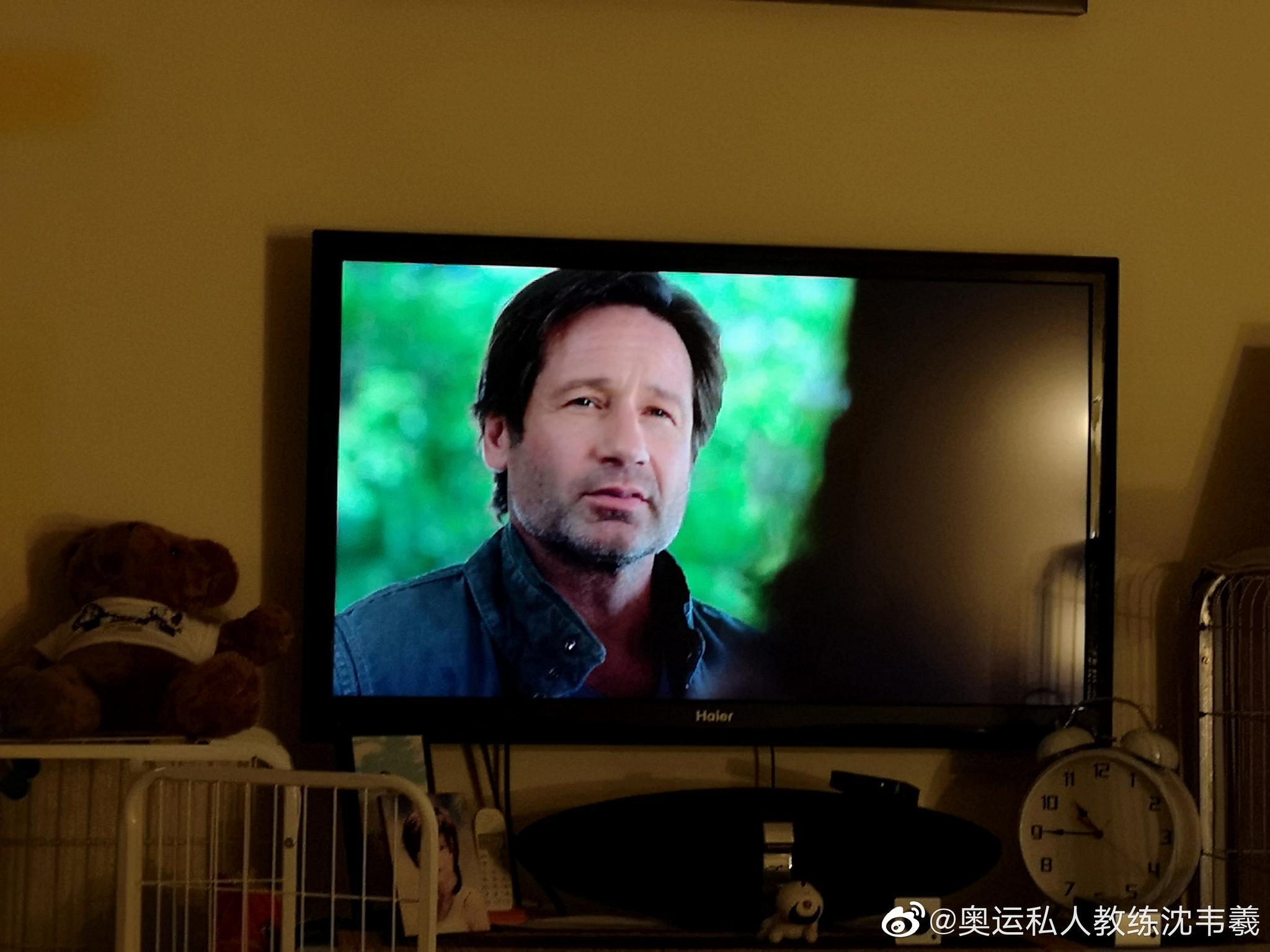 新一季的《x档案》,我有之前几季的DVD……好遥远的记忆!