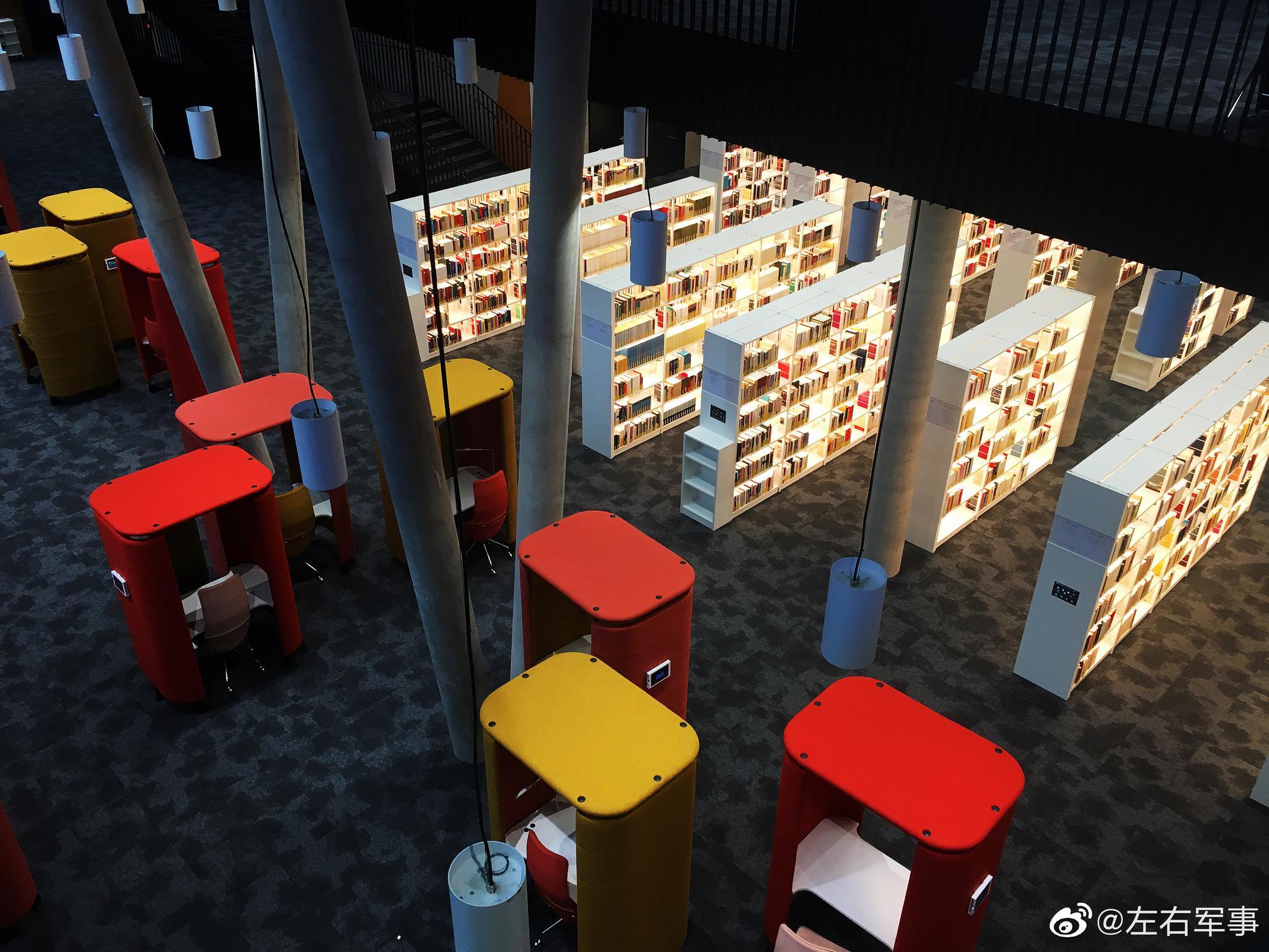 卢森堡大学用废旧工厂改造的图书馆用了极不对称设计
